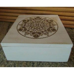 Wooden Box Rustic White Wash With Wood Inlay Top